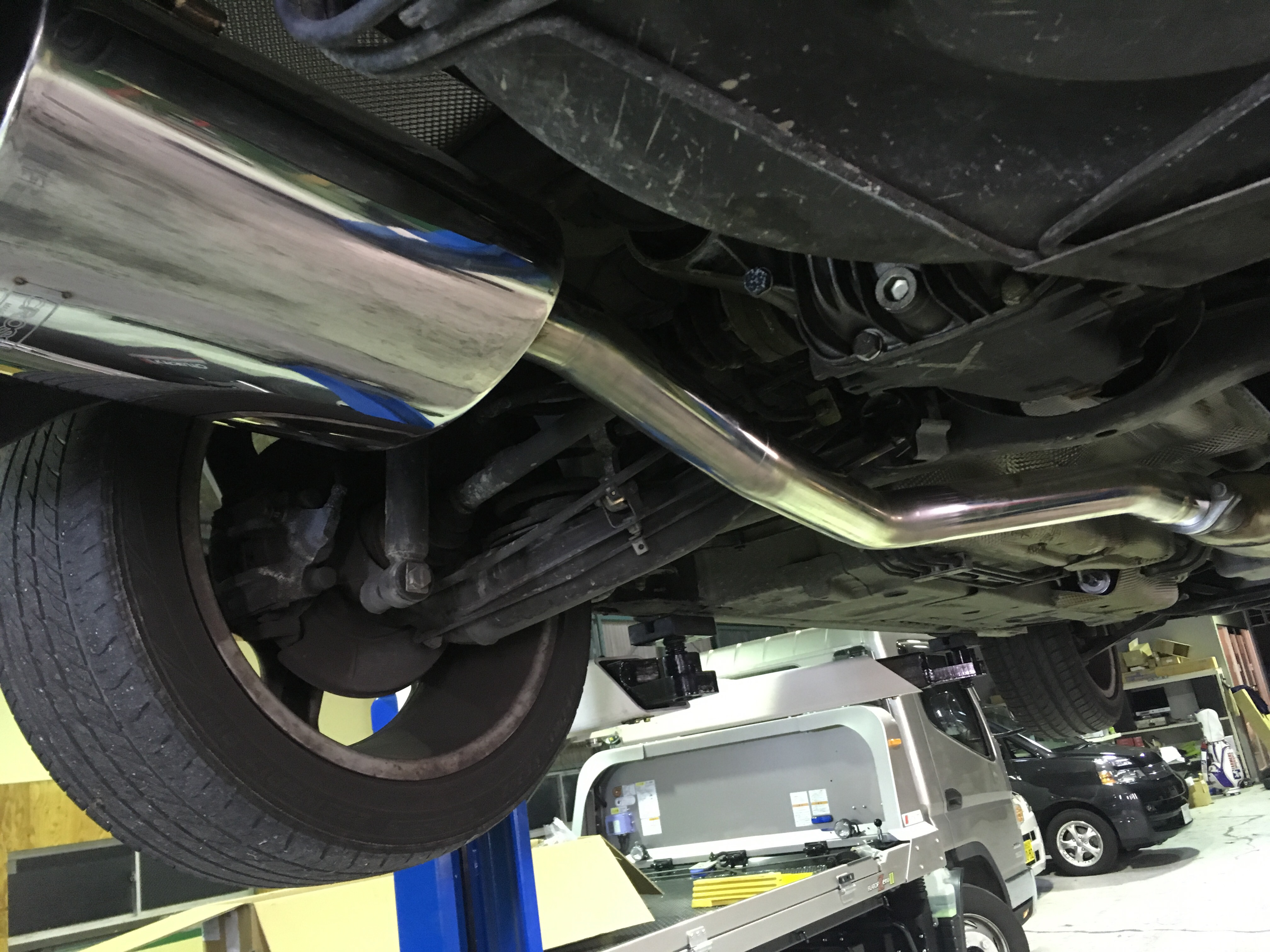 BMW Z3 ステンレスマフラー交換作業