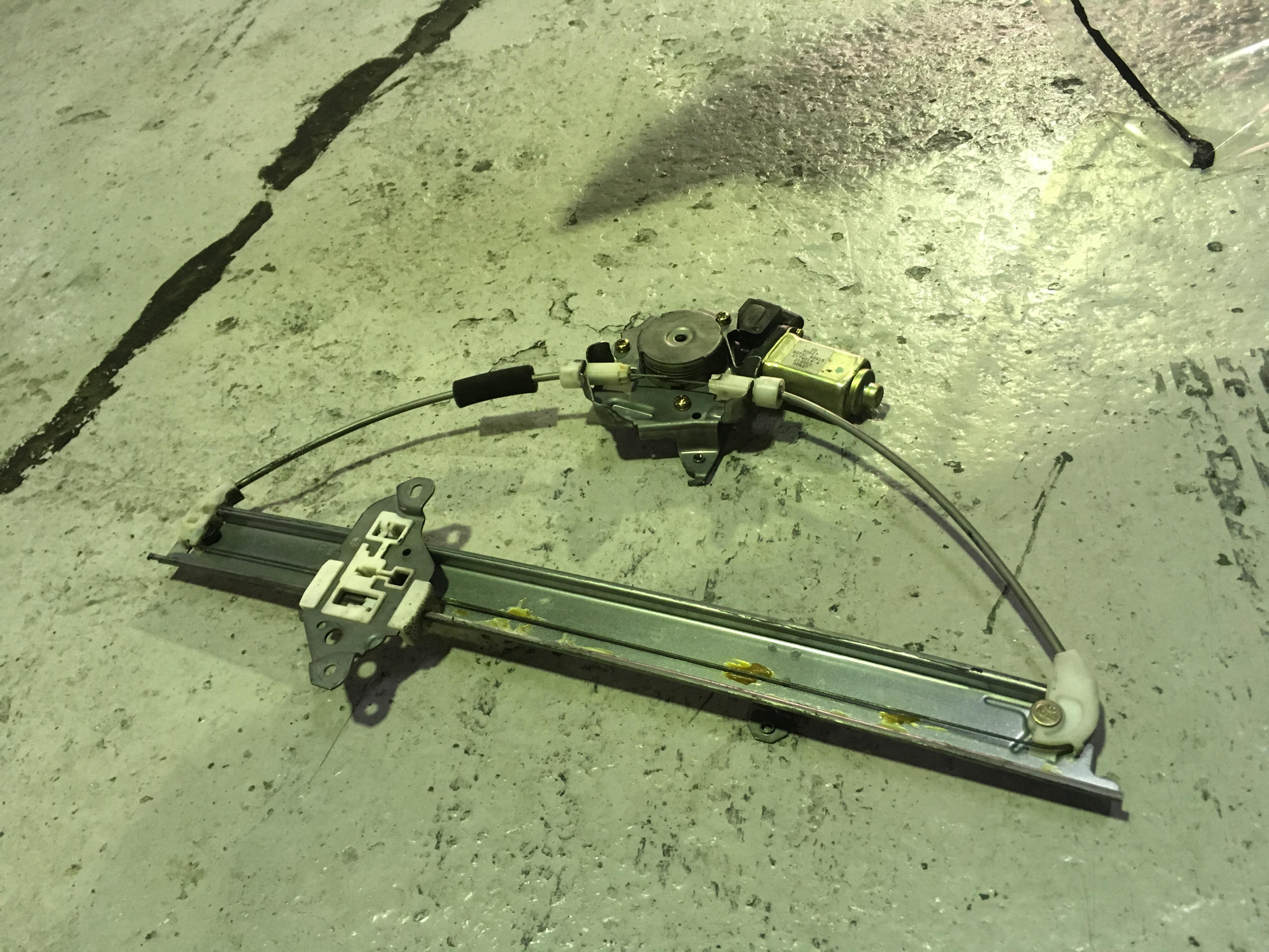 日産キューブBZ11パワーウィンドウモーター故障